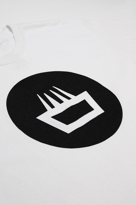 Camiseta mimaría negative color blanco logo negro