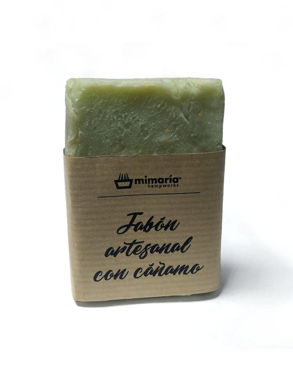Jabón artesano con cáñamo asturiano, aceite de oliva, aceite de barbasú, manteca de cacao, vitamina E y un toque mentolado.